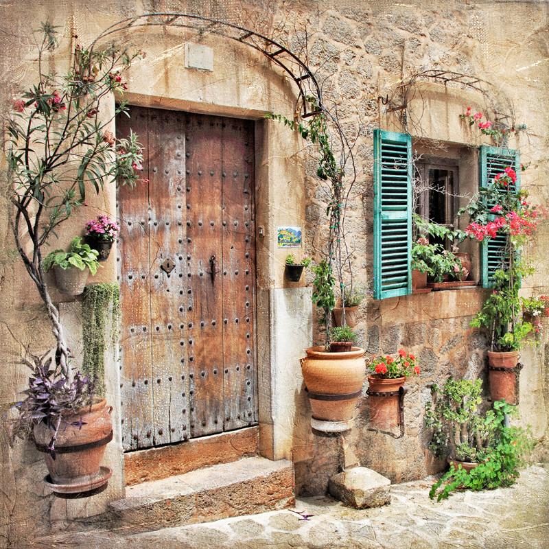 Дверь европейского дома